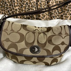 Coach Signature Shoulder Bag Purse F15171